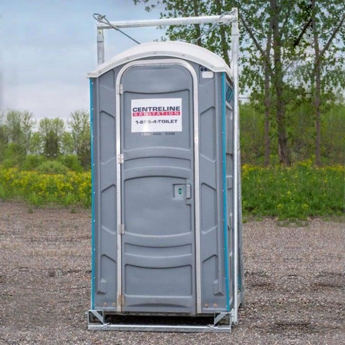 Crane Unit With Basic Portable Restroom